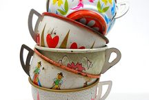 vintage metal teasets ( I adore these) / old metal cups and saucers and tea sets. I just love them. / by Jodie Ric rac