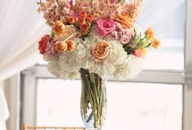 Coral Centerpieces / Coral centerpiece ideas from Beautiful Blooms by Jen and others. Perfect for your wedding and event!