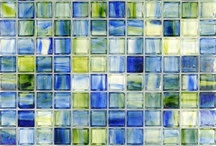 Seaglass™ Glass Tiles / The Seaglass™ mosaic collection brings excitement to your design. The color palette with excellent tonality fits both traditional and modern decorations in your residential and commercial areas. The collection brings together art and esthetic and reminds one of sparkles from the sea in your wall and pool applications.