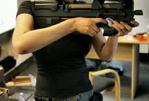 jenter med våpen