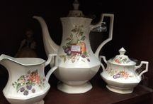 Teacup and Teapot Finds / If I only needed hundreds of cups and dozens of teapots...