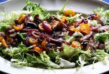 Recetas frescas de ensaladas / Ensaladas frías y templadas de frutas y verduras con alimentos de temporada. para comer sano y crudo durante todo el año