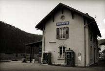 Noiraigue / Le village de Noiraigue (NE) au Val-de-Travers, Suisse.
