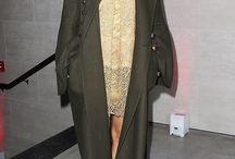 Khaki outfits - capsule wardrobe dressing