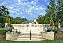 Wykończenie dla domu / Kolumny oraz balustrady służące jako element dekoracyjny, a także architektoniczny.