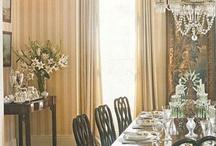 Gold stripe wallpaper