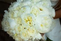 Kingston Bagpuize wedding / Peonies and blush wedding flowers
