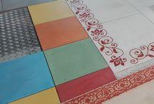 Dalles béton lisse à couleur / Dallage colorié dans la masse, dallage à couleur, dallage multi-couleur, dallage béton ciré à couleur, dallage lisse béton à couleur
