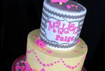 Pretty cakes / by Katarina Strydom