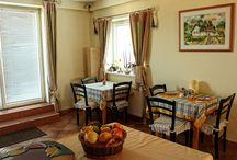 Reggelizőhelyiség és terasz / Breakfast room and terrace