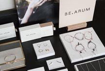 Exhibition jewelry