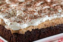 Chocolate peanut butter poke cake / Cakes