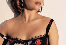 emilia clarke is beautiful