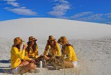 YELLOW SANDS / L'inconfondibile giallo RICOLA dona un tocco di colore tra queste dune di gesso.