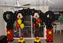 Mickey Mouse party ideas / Mickey Mouse balloon decorations