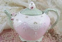 Teapots & Chinaware / by Denise Hirst