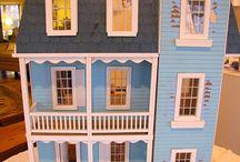 Sininen nukkekoti/Blue dollhouse