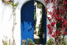 Doors / Old doors are fascinating.