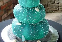 Cake Porn / Amazing cakes that I can only dream of making.
