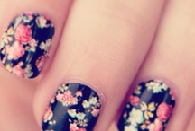 Addicted to Nails / by The Divine Addiction