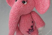 Elefanta rose elephant crochet