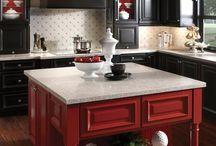 Red kitchen / Piros a konyhában