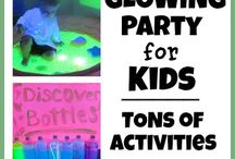 Sensory Breaks and Sensory Fun for All Ages / Sensory play ideas from a variety of resources for children, teens, adults, parents, teachers and  therapists. #sensory #spd #autism #aspergers