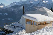 WHITEPOD / Vyzkoušeli jsme pro vás Whitepod!                                                                                                                    Je tu zima a my jsme se rozhodli pro naše klienty vyzkoušet Whitepod... Představte si krásnou, sněhem pokrytou sjezdovku nad vesnicí  Cerniers en Valais ve švýcarských Alpách, na ní 15 bílých stanových kopulí, všude ticho a klid...   www.iitours.cz