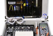 """""""Trenéři"""" elektroniky / Analog and digital trainers / Experimentální systémy na výuku elektroniky od Elenco / Analog and digital trainers of Elenco"""