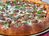 Pizza Recipes / by Jessica Marihugh
