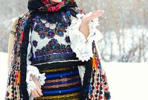 Traditional romanian costumes / Romanian costumes