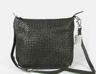 hotsalehub Designer Handbags outlet / by Rosie O'Donnell