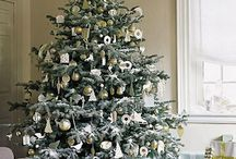 white x mas tree