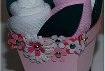 Baby Shower DIY / Some great ideas for original baby shower gifts / by MammaNene @ Serger Pepper