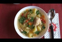 Chicken soup with green peas. Supă de pui cu mazăre verde. Куриный суп с зелёным горошком. / Ingredients: chicken-500g, onions-2, carrots-3, potatoes-6, pepper-1, green peas-225g, pearl barley-100g, salt, peperocino, parsley. Ingrediente: carne de pui-500g, ceapă-2, morcovi-3, cartofi-6, ardei gras-1, mazăre verde-225g, arpacaș-100g, sare,      piper negru și ardei iute, pătrunjel. Ингредиенты: мясо куриное-500г, лук-2шт, морковь-3шт, картошка-6шт, один перец, зелёный горошек-225г, перловка-100г, соль, перец чёрный и перец горький, петрушка.