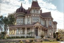 Love old houses / by Cynthia Hartsock