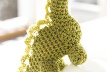 Crochet - Stuffed Animals & Toys / by Camryne De Caerleon