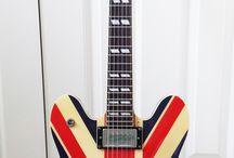 Noel / Guitar hero