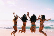 Beach friends photoshoot
