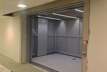 """Two opposite columns lift: new lift for the """"Parco della musica"""" theatre in Florence / Montascena: realizzazione per il Parco della musica di Firenze"""