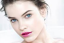 Barbara Palvin / Barbara Palvin was discovered on the streets of Budapest in 2006 at the age of 13. She shot her first editorial that year for Spur Magazine. Palvin subsequently