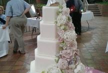 Wedding Cakes / by Lori Chubeck