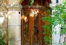 Dveře a vrata, vrátka