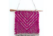 Zoom Loom pin loom inspiration / Pattern, designs and amazing stuff found over the globe made with zoom loom pin loom weaving.   Patrones, diseños y diseños increíbles de todo el mundo, hechos en telar de bastidor zoom loom.