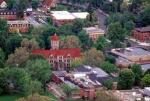 Universities in Walla Walla / Looking for a college or university in Washington state? Trade the over populated, just-a-number college experience for an intimate small college experience nestled in the Pacific Northwest outdoor mecca and nationally acclaimed wine region of Walla Walla. 4-year and graduate programs available.