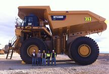 Heavy Equipment / by Jacques Desjardins