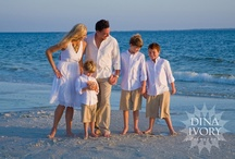 Beach Photography / When your whole family gathers at the beach, nothing says the end of vacation like trying to gather 20 people on the beach at sunset for the perfect family photos. Here are ideas, tips and tricks to help you be successful in capturing these moments quickly.