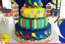 Cataventos, pipas e alegria! / Bolo especial de Aniversário por Ana Barros Bolos com cataventos, pipas e muito colorido!