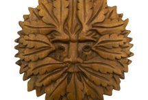 Timber-Treasures Green Man plaque 16.5cm / Our hand carved Green Man Plaques are the perfect representation of the ancient spirit of the forest.   Depicts the Green Man, the ancient spirit of the forest, and a symbol of strength, life and fertility and a good luck charm. Hand carved with great care and detail, perfect for indoor and outdoor use. Dimensions: 16.5 cm diameter x 1.5 cm* *handmade disclaimer