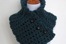 Men's Crochet Patterns / Don't forget about crochet patterns for the men in your life! From crochet vests to hats and scarves, we have a ton of crochet patterns for men right here. Many of these crochet patterns are easy to make, too, so you could crochet a scarf or hat over the weekend.